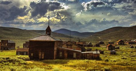 Abandoned Towns in America - 10 of Most Eerily Ghost Towns