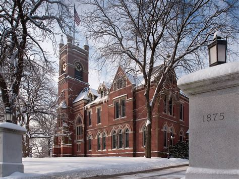 Smith College Will Move Endowment Management Functions In