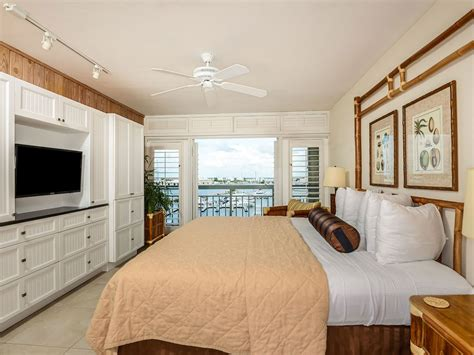 Luxury Waterfront at the Galleon Resort