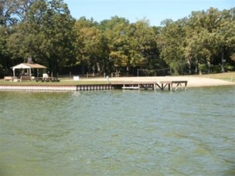 Harbor Docking Property For Sale in Chain O' Lakes, Fox