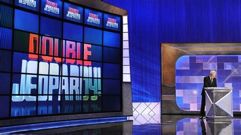 Anderson Cooper, Savannah Guthrie to guest host 'Jeopardy