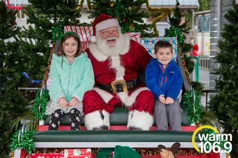 PHOTOS: Breakfast with Santa at the Cougar Mountain Zoo